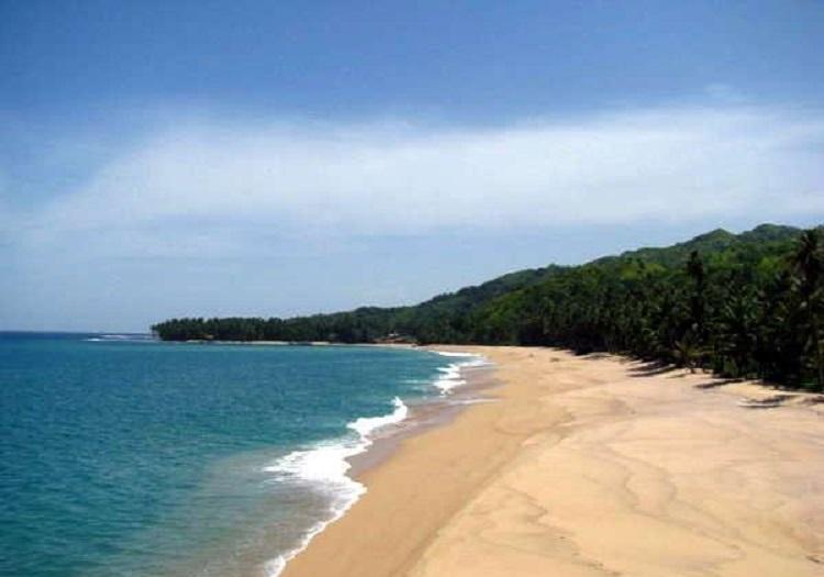 Pantai Apra, Sindang Barang, CIanjur Selatan, Sumber Foto : http://sportourism.com